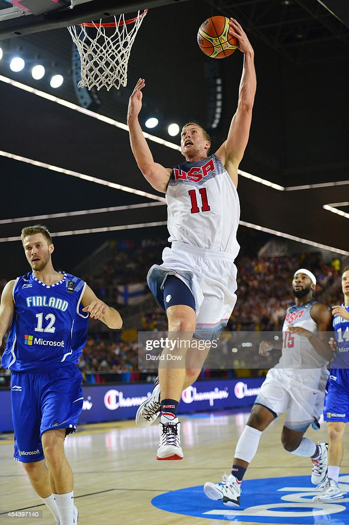 <a gi-track='captionPersonalityLinkClicked' href=/galleries/search?phrase=Mason+Plumlee&family=editorial&specificpeople=5792012 ng-click='$event.stopPropagation()'>Mason Plumlee</a> #11 of the USA Basketball Men's National Team shoots the basketball against the Finland Nation Basketball Team during the FIBA 2014 World Cup Tournament at the Bilbao Exhibition Center on August 30, 2014 in Bilbao, Spain.