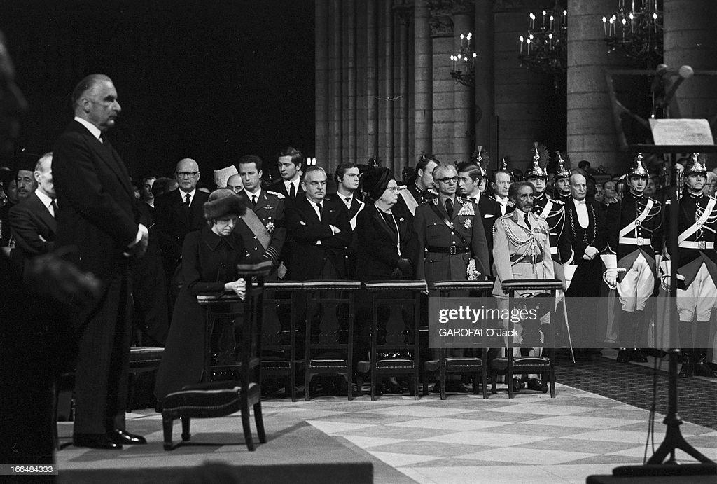 De Gaulle. 12 Novembre 1970, Messe à Notre Dame de Paris pour la mort ...