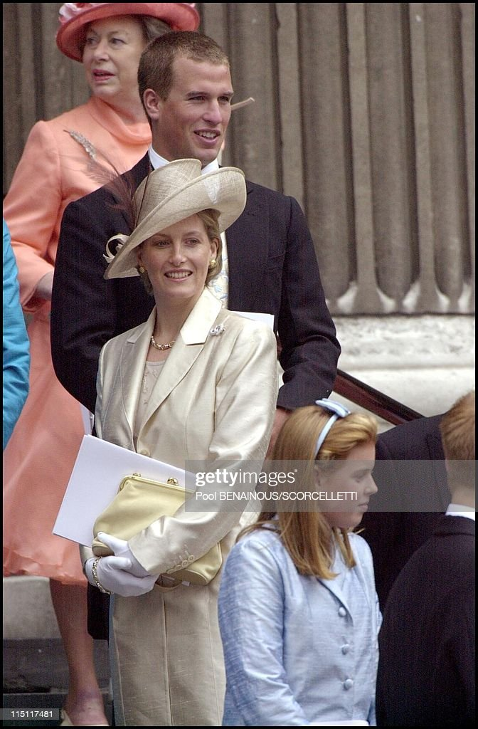 Mass celebrated at St Paul's cathedral in honour of the 100th birthday of Queen Mother in London, United Kingdom on July 11, 2000 - Peter Phillips, Sophie Rhys Jones, princess Beatrice.