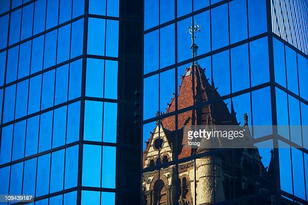 USA, Massachusetts, Boston, old building reflecting in new