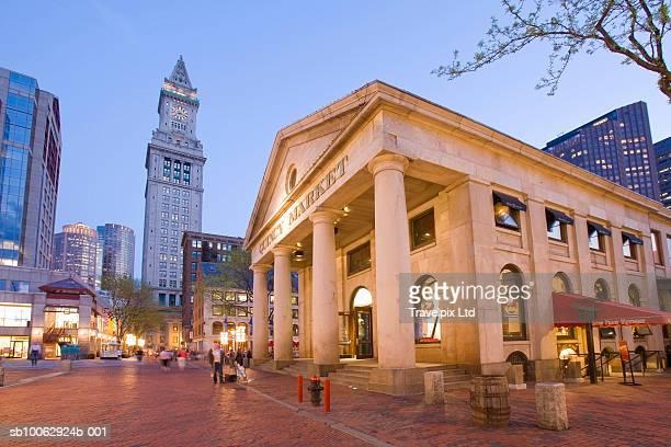 USA, Massachusetts, Boston, Quincy Market (wide angle lens)