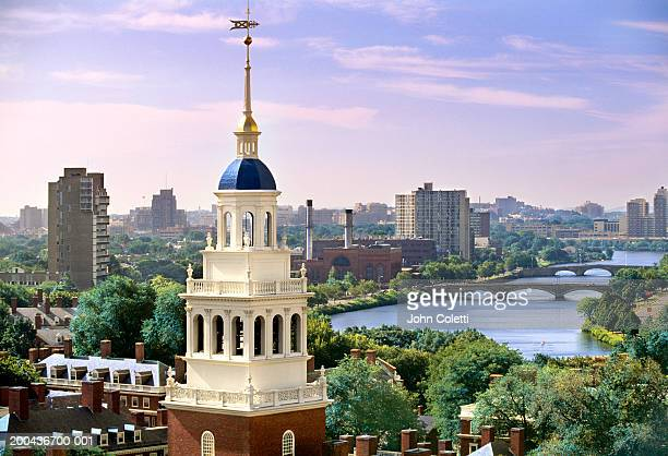 USA, Massachusetts, Cambridge, Harvard University and Charles River