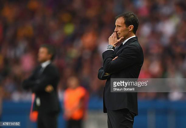 Massimiliano Allegri manager of Juventus looks on during the UEFA Champions League Final between Juventus and FC Barcelona at Olympiastadion on June...