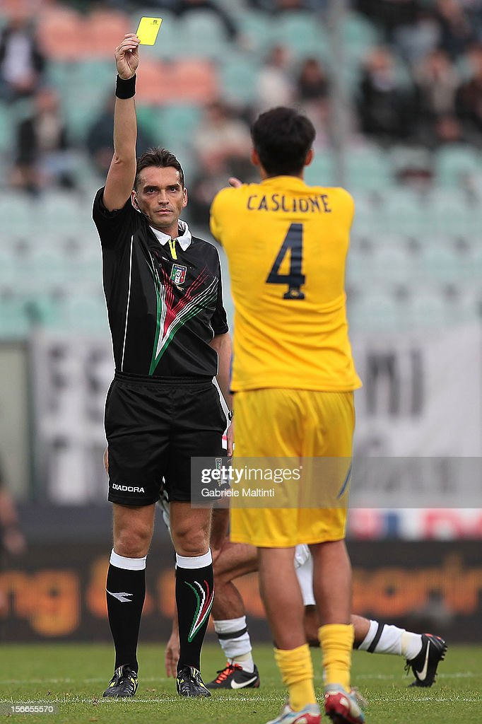 Massimiliano Irrati of Pistoia referee shows the yellow card during the Serie A match between AC Siena and Pescara at Stadio Artemio Franchi on November 18, 2012 in Siena, Italy.