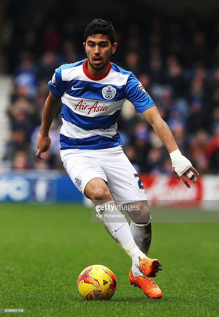 <a gi-track='captionPersonalityLinkClicked' href=/galleries/search?phrase=Massimo+Luongo&family=editorial&specificpeople=7995834 ng-click='$event.stopPropagation()'>Massimo Luongo</a> of Queens Park Rangers controls the ball during the Sky Bet Championship match between Queens Park Rangers and Fulham at Loftus Road on February 13, 2016 in London, United Kingdom.