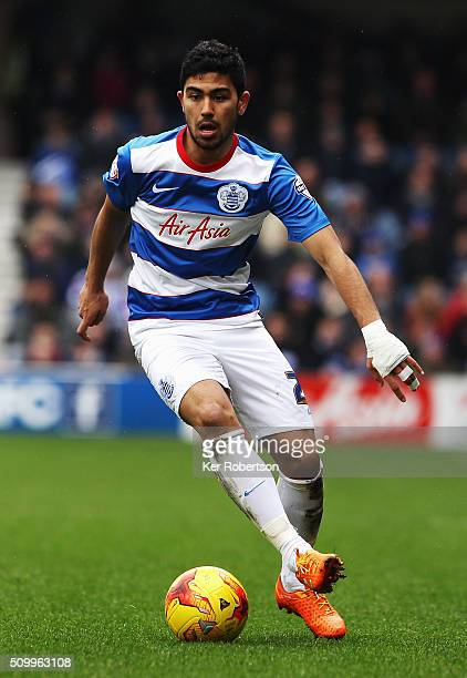 Massimo Luongo of Queens Park Rangers controls the ball during the Sky Bet Championship match between Queens Park Rangers and Fulham at Loftus Road...