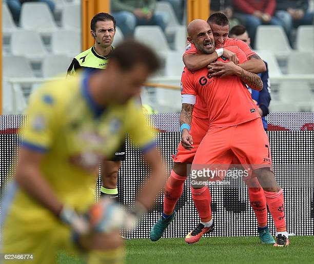 Massimo Maccarone of Empoli FC celebrates after scoring the opening goal during the Serie A match between Pescara Calcio and Empoli FC at Adriatico...