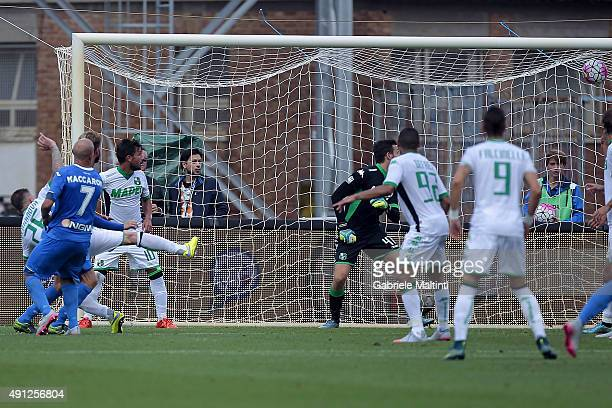 Massimo Maccarone of Empoli FC scores the opening goal during the Serie A match between Empoli FC and US Sassuolo Calcio at Stadio Carlo Castellani...