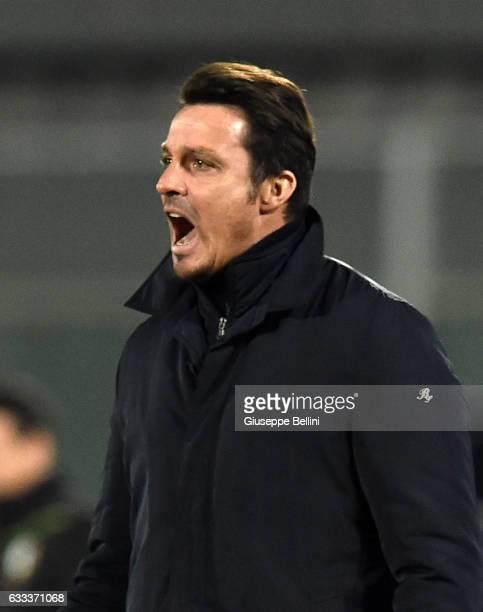 Massimo Oddo head coach of Pescara Calcio during the Serie A match between Pescara Calcio and ACF Fiorentina at Adriatico Stadium on February 1 2017...