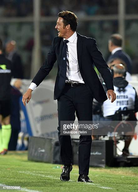 Massimo Oddo head coach of Pescara during first leg of the Serie B playoff final match between Pescara Calcio and Bologna FC at Adriatico Stadium on...