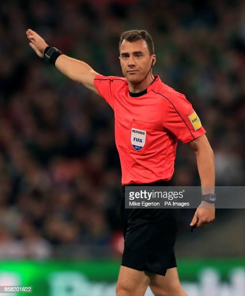 Match referee Felix Zwayer