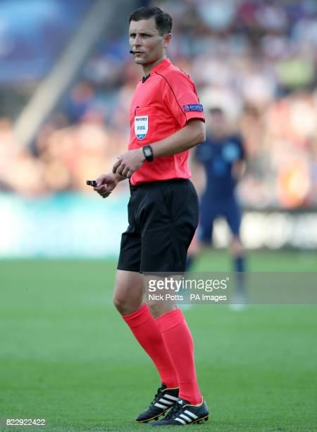 Match referee Gediminas Mazeika