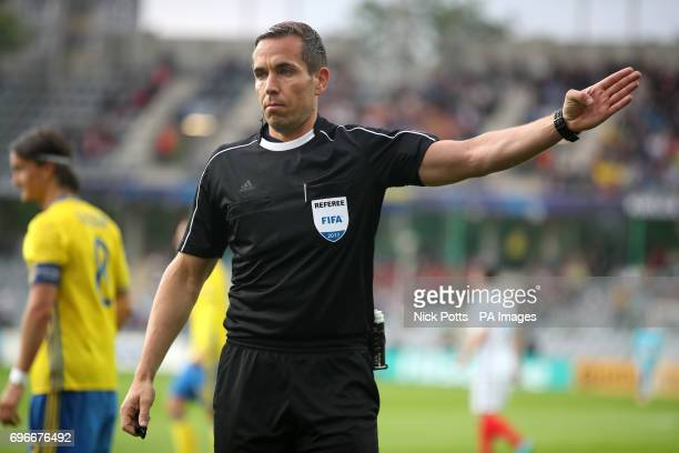 Match referee Tobias Stieler during the UEFA European Under21 Championship Group A match at the Kolporter Arena Kielce