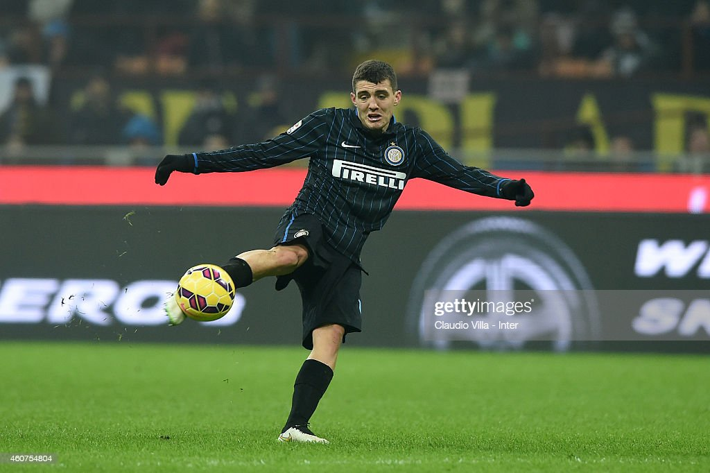 Mateo Kovacic of FC Internazionale scores the first goal during the Serie A match betweeen FC Internazionale Milano and SS Lazio at Stadio Giuseppe Meazza on December 21, 2014 in Milan, Italy.