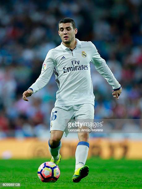 Mateo Kovacic of Real Madrid CF controls the ball during the La Liga match between Real Madrid CF and Villarreal CF at Santiago Bernabeu stadium on...
