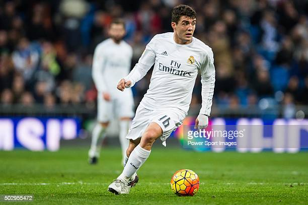 Mateo Kovacic of Real Madrid CF in action during the Real Madrid CF vs Real Sociedad as part of the Liga BBVA 20152016 at Estadio Santiago Bernabeu...