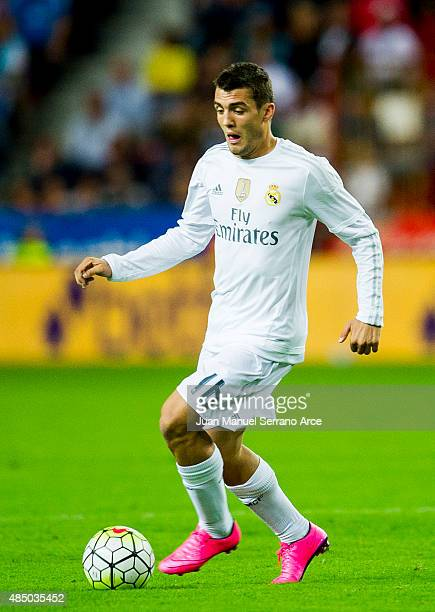 Mateo Kovacic of Real Madrid controls the ball during the La Liga match between Sporting Gijon and Real Madrid at Estadio El Molinon on August 23...