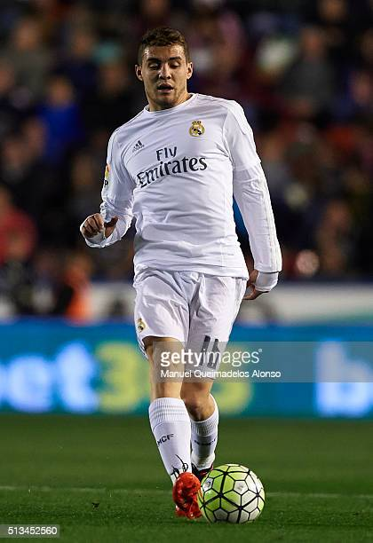 Mateo Kovacic of Real Madrid runs with the ball during the La Liga match between Levante UD and Real Madrid at Ciutat de Valencia on March 02 2016 in...