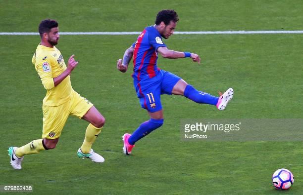 Mateo Musacchio and Neymar Jr during the match between FC Barcelona and Villarreal CF on May 06 2017 Photo Joan Valls/Urbanandsport/Nurphoto