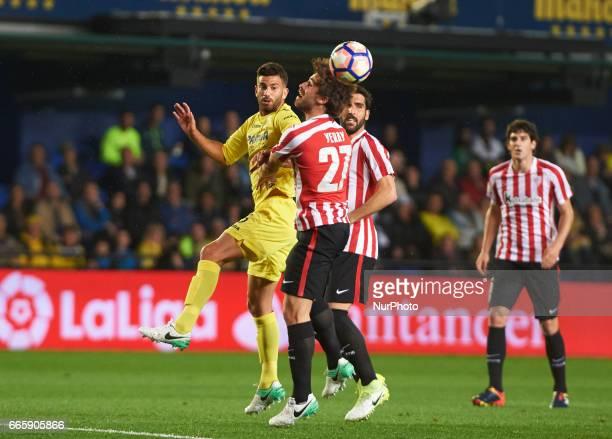 Mateo Musacchio of Villarreal CF and Yeray Alvarez of Athletic Club de Bilbao during their La Liga match between Villarreal CF and Athletic Club de...