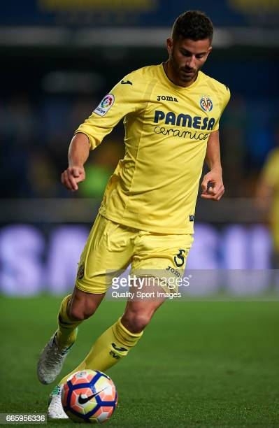 Mateo Musacchio of Villarreal in action during the La Liga match between Villarreal CF and Athletic Club at Estadio de la Ceramica on April 7 2017 in...