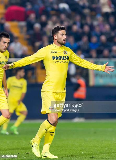 Mateo Pablo Musacchio of Villarreal CF reacts during their La Liga match between Villarreal CF and Real Madrid at the Estadio de la Cerámica on 26...
