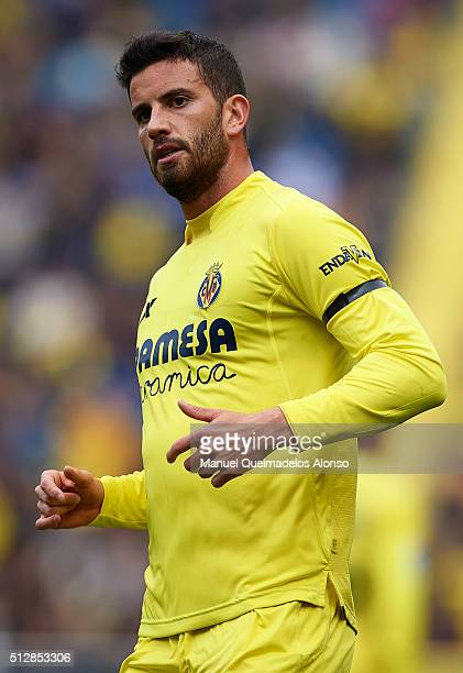 Mateo Pablo Musacchio of Villarreal looks on during the La Liga match between Villarreal CF and Levante UD at El Madrigal on February 28 2016 in...
