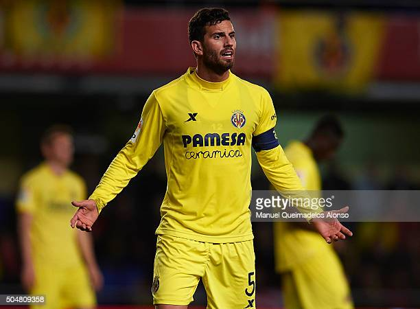 Mateo Pablo Musacchio of Villarreal reacts during the Copa del Rey Round of 16 second leg match between Villarreal CF and Athletic Club de Bilbao at...