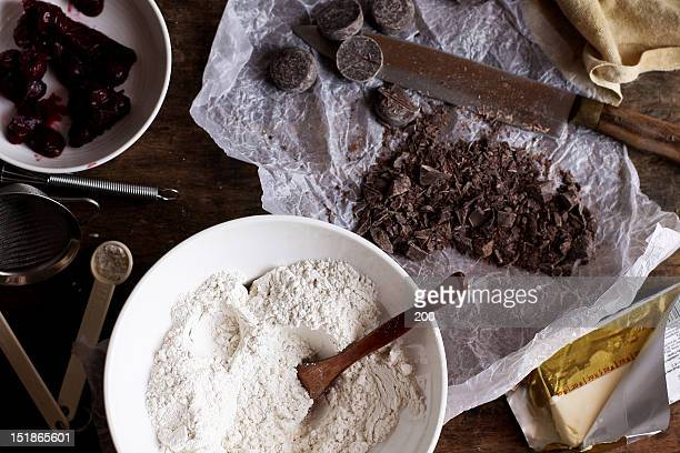 Materials for cake