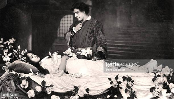 Matheson Lang and Nora Kerin in a scene from Romeo and Juliet 1908