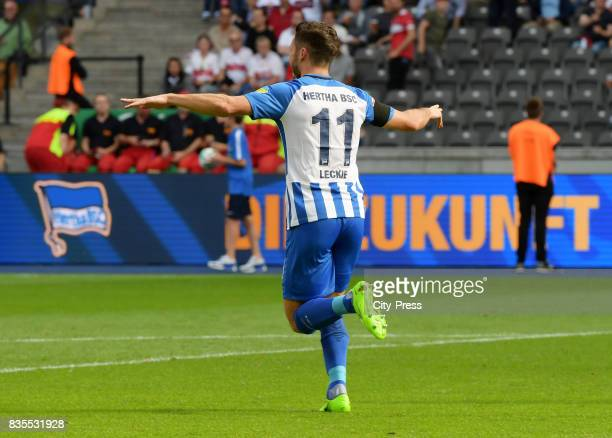 Mathew Leckie of Hertha BSC celebrates after scoring the 10 during the game between Hertha BSC and dem VfB Stuttgart on August 19 2017 in Berlin...