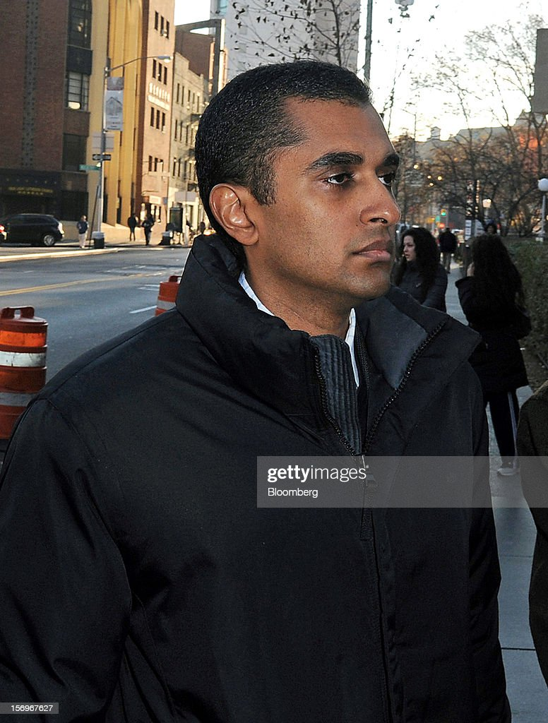 Mathew Martoma, a former portfolio manager at a unit of SAC Capital Advisors LP, enters federal court in New York, U.S., on Monday, Nov. 26, 2012. Martoma, 38, used illegal tips to help SAC make $276 million on shares of pharmaceutical companies Elan Corp. and Wyeth LLC, according to the Justice Department and the Securities and Exchange Commission. Photographer: Peter Foley/Bloomberg via Getty Images