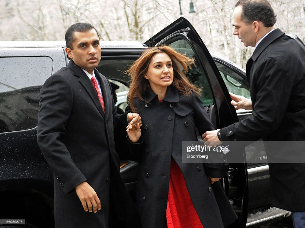 Mathew Martoma, a former SAC Capital Advisors LP fund manager, left, arrives at federal court with his wife Rosemary Martoma, center, and his attorney Roberto Braceras in New York, U.S., on Wednesday, Feb. 5, 2014. Jury deliberations continue for a second day in the trial of Mathew Martoma, accused by federal prosecutors of masterminding the most lucrative insider trading scheme in U.S. history. Photographer: Louis Lanzano/Bloomberg via Getty Images