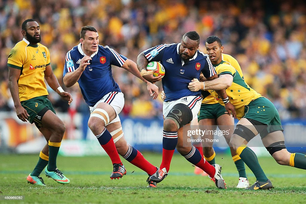 <a gi-track='captionPersonalityLinkClicked' href=/galleries/search?phrase=Mathieu+Bastareaud&family=editorial&specificpeople=677501 ng-click='$event.stopPropagation()'>Mathieu Bastareaud</a> of France runs the ball during the International Test match between the Australia Wallabies and France at Allianz Stadium on June 21, 2014 in Sydney, Australia.