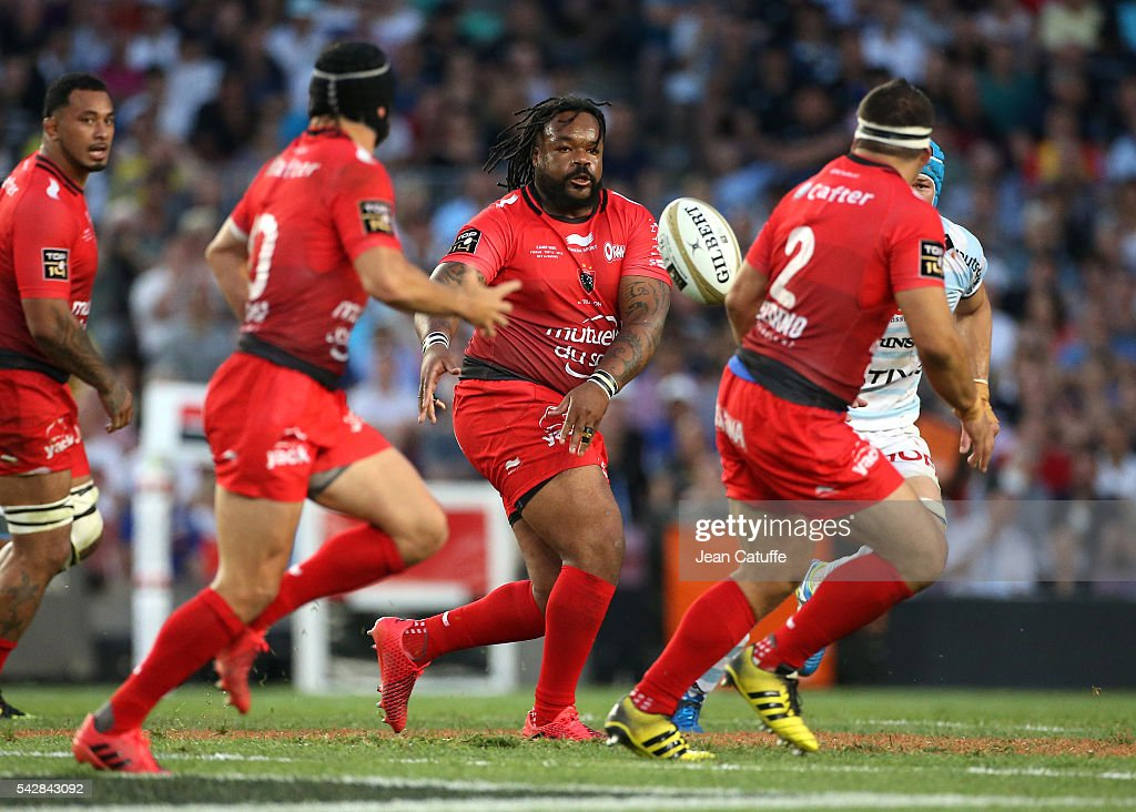 <a gi-track='captionPersonalityLinkClicked' href=/galleries/search?phrase=Mathieu+Bastareaud&family=editorial&specificpeople=677501 ng-click='$event.stopPropagation()'>Mathieu Bastareaud</a> of RC Toulon in action during the Final Top 14 between Toulon and Racing 92 at Camp Nou on June 24, 2016 in Barcelona, Spain.