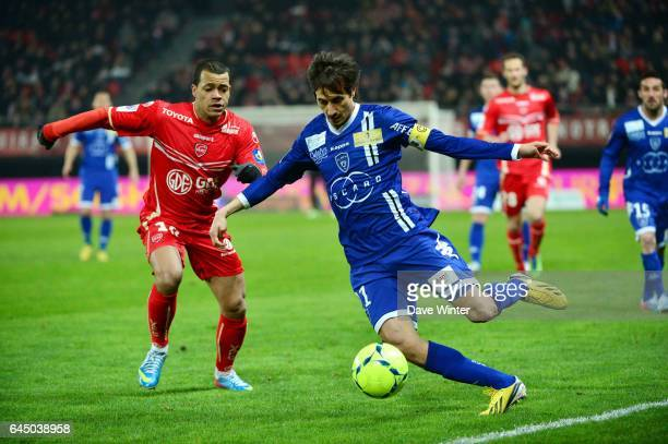 Mathieu DOSSEVI / Fethi HAREK Valenciennes / Bastia 30eme Journee de Ligue 1 Photo Dave Winter / Icon Sport