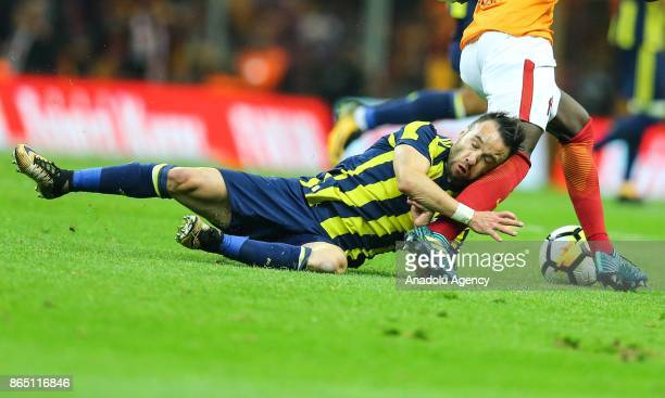 Mathieu Valbuena of Fenerbahce in action during the Turkish Super Lig match between Galatasaray and Fenerbahce at Ali Sami Yen Sports Complex Turk...