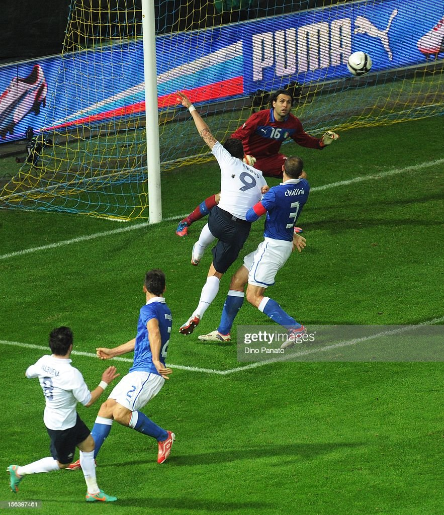 <a gi-track='captionPersonalityLinkClicked' href=/galleries/search?phrase=Mathieu+Valbuena&family=editorial&specificpeople=778610 ng-click='$event.stopPropagation()'>Mathieu Valbuena</a> (L) of France scores their first goal during the international friendly match between Italy and France at Stadio Ennio Tardini on November 14, 2012 in Parma, Italy.