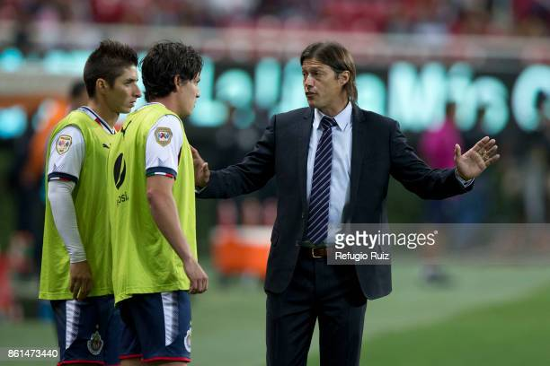 Matias Almeyda coach of Chivas gives instructions to is players during the 13th round match between Chivas and Morelia as part of the Torneo Apertura...