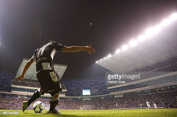 Matias Alustiza of Puebla shoots a corner kick during the friendly match between Puebla and Boca Juniors at Cuauhtemoc Stadium on November 18 2015 in...