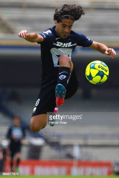 Matias Britos of Pumas tries to control the ball during the 13th round match between Pumas UNAM and Toluca as part of the Torneo Clausura 2017 Liga...