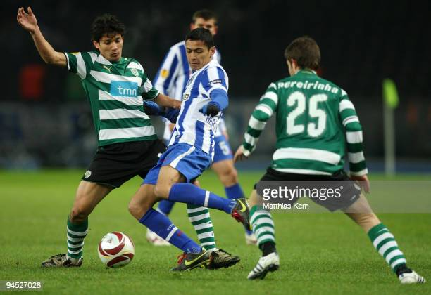 Matias Fernandez Cicero and Bruno Pereirinha battle for the ball during the UEFA Europa League match between Hertha BSC Berlin and Sporting Lissabon...