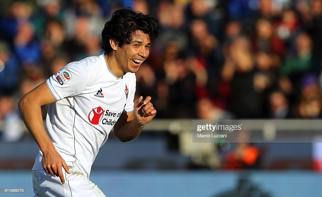Matias Fernandez of ACF Fiorentina celebrates after scoring the opening goal during the Serie A match between Atalanta BC and ACF Fiorentina at...