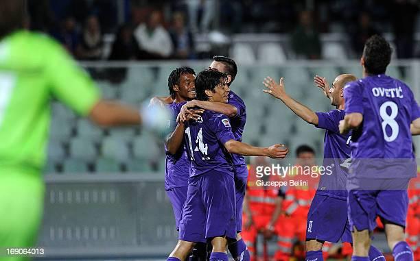 Matias Fernandez of Fiorentina celebrates after scoring the goal 03 during the Serie A match between Pescara and ACF Fiorentina at Adriatico Stadium...