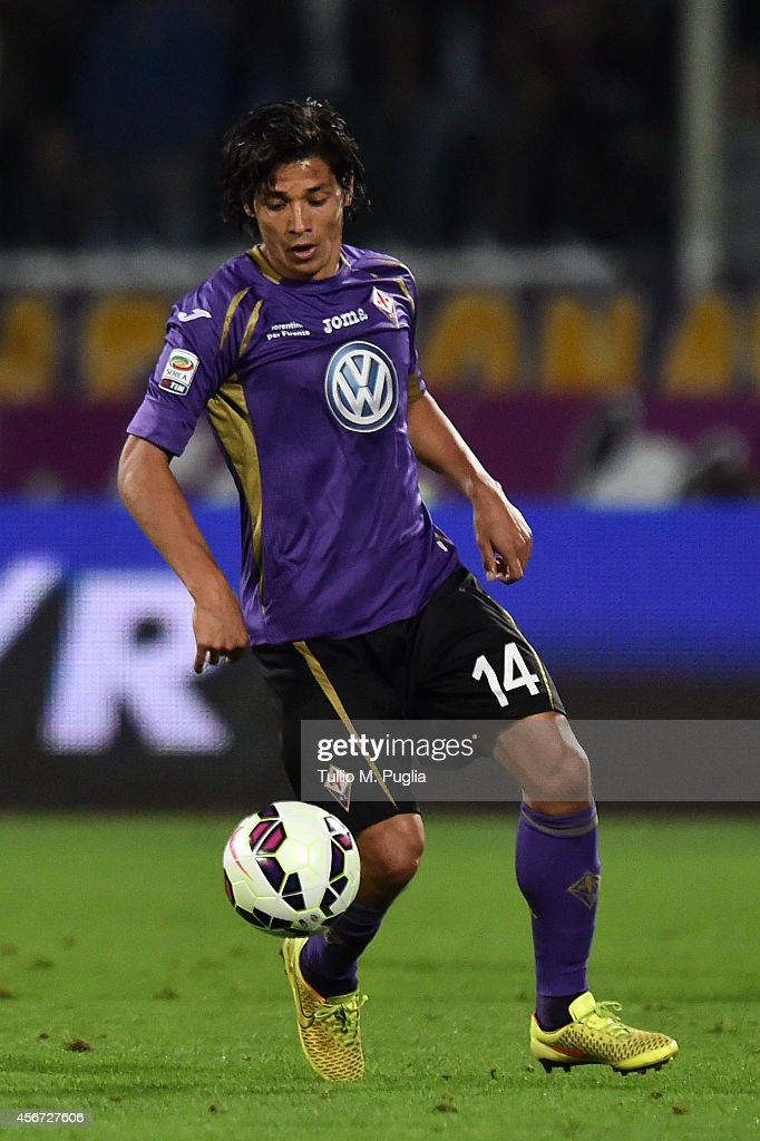 Matias Fernandez of Fiorentina in action during the Serie A match between ACF Fiorentina and FC Internazionale Milano at Stadio Artemio Franchi on...