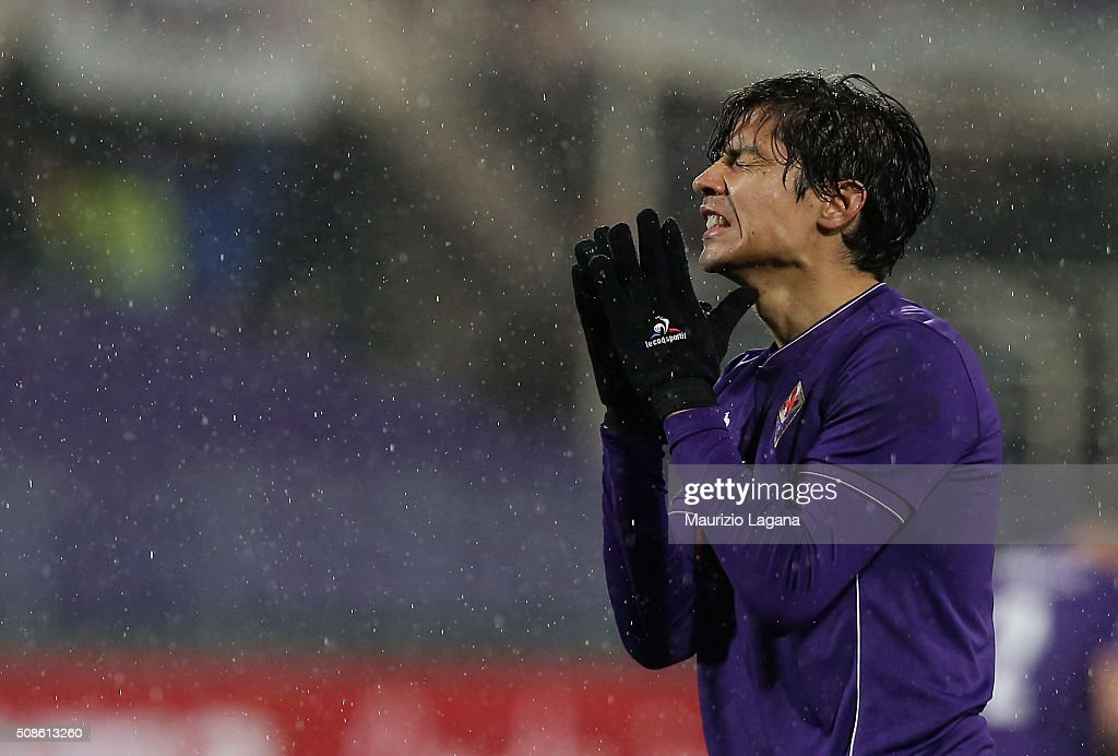 Matias Fernandez of Fiorentina shows his dejection during the Serie A match between ACF Fiorentina and Carpi FC at Stadio Artemio Franchi on February...
