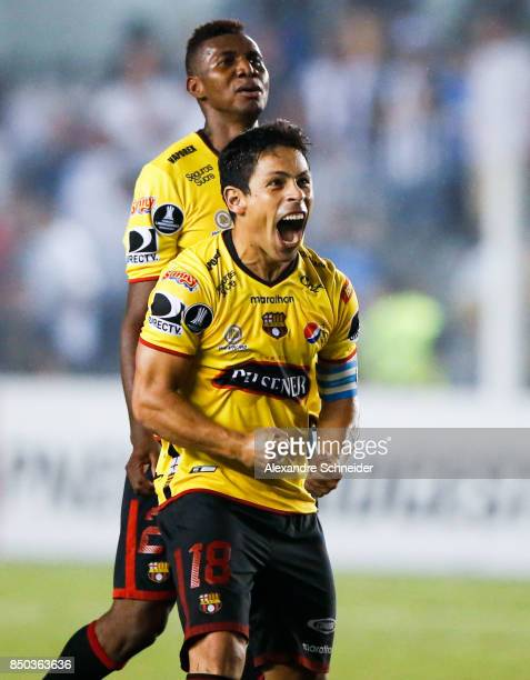 Matias Oyola of Barcelona de Guayaquil celebrates after winning the match against Santos for the Copa Bridgestone Libertadores 2017 at Vila Belmiro...