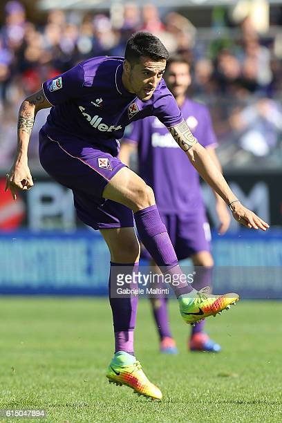 Matias Vecino of ACF Fiorentina in action during the Serie A match between ACF Fiorentina and Atalanta BC at Stadio Artemio Franchi on October 16...
