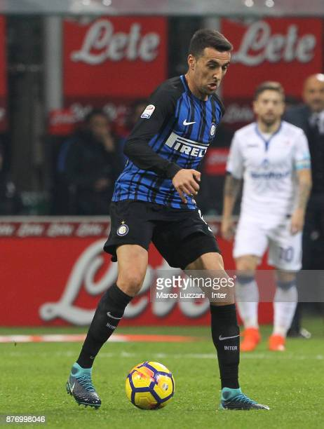 Matias Vecino of FC Internazionale in action during the Serie A match between FC Internazionale and Atalanta BC at Stadio Giuseppe Meazza on November...