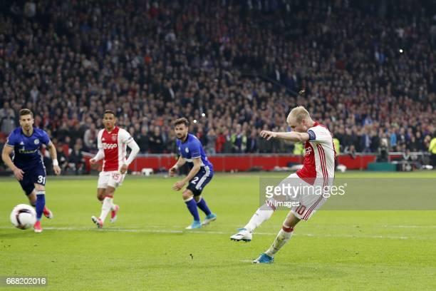 Matija Nastasic of FC Schalke 04 Justin Kluivert of Ajax Daniel Caligiuri of FC Schalke 04 Davy Klaassen of Ajax 10during the UEFA Europa League...